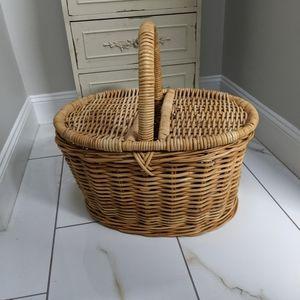 Huge wicker picnic basket